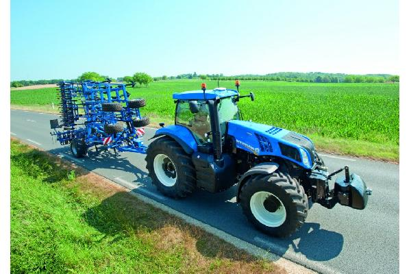 Gama New Holland serie T8 Auto Command™: Mayor potencia y eficiencia de Auto Command™