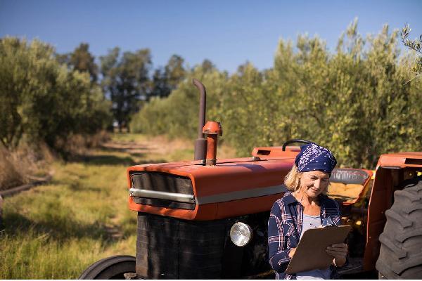 Impulso a la igualdad de las mujeres en las explotaciones agrarias